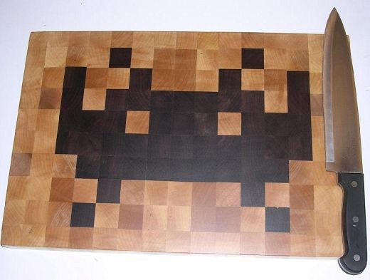 space_invaders_cutting_board