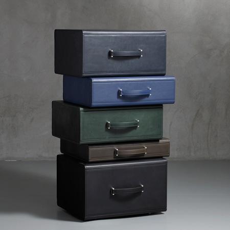 leather-collection-by-maarten-de-ceulaer-nilufar-mag09-3072-var
