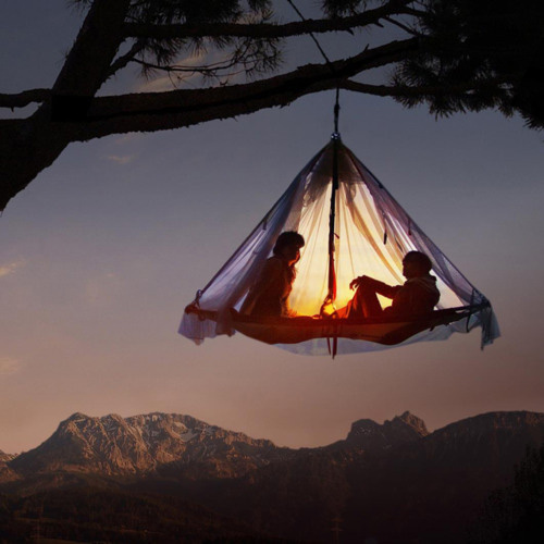 Beautiful-hanging-tent